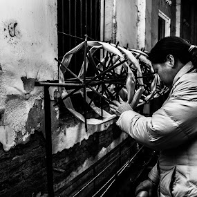 Silk Threader by Zack Zaidi - People Street & Candids ( silk, black and white, hanoi, street, working, women )