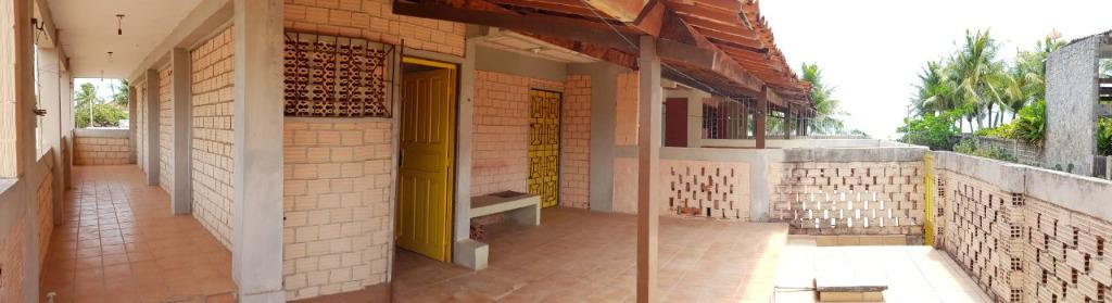 Duplex por R$ 150.000,00 a 50m da Praia de Jacumã