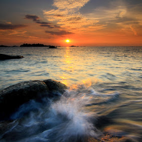 Hot sunset by Endy Wiratama - Landscapes Waterscapes