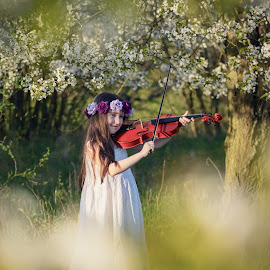 Little spring Fairy by Jiri Cetkovsky - Babies & Children Child Portraits ( spring, violin, tanja, girl, fairy )