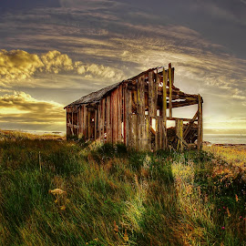 Lost in the sunset by Jan Helge - Buildings & Architecture Decaying & Abandoned ( sunset, house, abadoned, colours, norway )