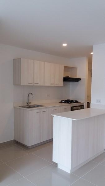 apartamento en arriendo holanda 679-16058