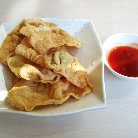 Wonton Chips with Sweet Chili Sauce Recipe – A Perfect Beginning