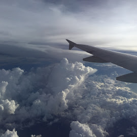 on the plane's wing by Liza Del Rosario - Instagram & Mobile iPhone ( nilo, badz, liz, milen, kyle,  )