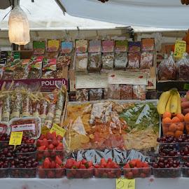 Street  Market in Venice by Viktorija Spasenoski - Food & Drink Fruits & Vegetables ( fruit, market, venice, street market, italy )