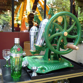 COCKTAIL MACINE TANQUERAY  by Jose Mata - Food & Drink Alcohol & Drinks