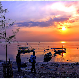 Kenjie sunrise, Surabaya ... by Mario Item - Instagram & Mobile Other