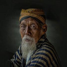 Look by Indrawan Ekomurtomo - People Portraits of Men