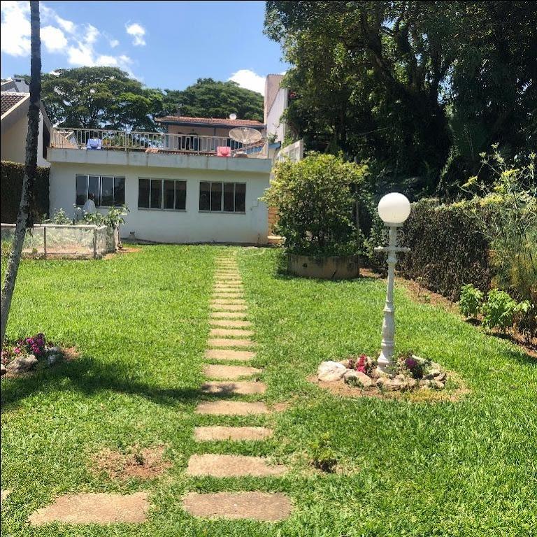 Casa 4 suítes KM 82 Atibaia