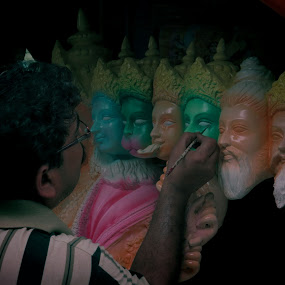 making of GOD by Jayanti Chowdhury - Professional People Business People ( canon, sculpture, abstract art, artist, idol )