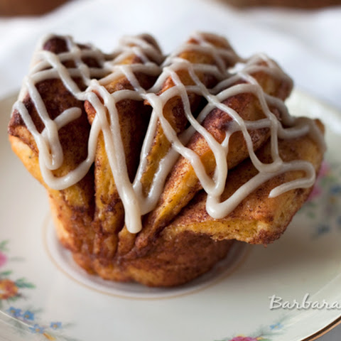 Pumpkin Fantail Cinnamon Rolls with Maple Cream Cheese Icing