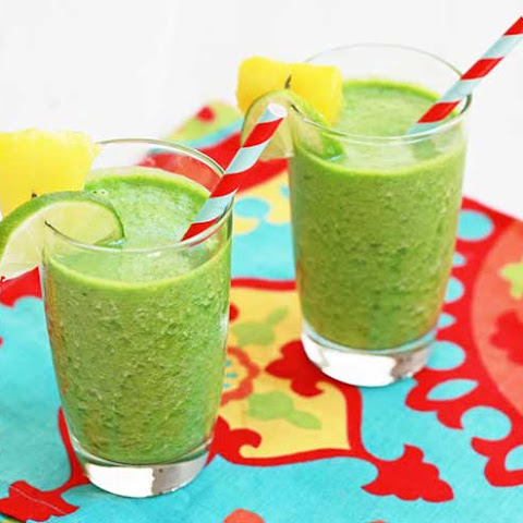 Pineapple Ginger Breeze Green Smoothie
