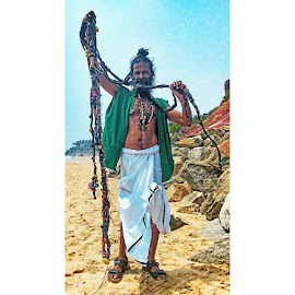 Faces of India. Interesting people I've met on my travels by Mik Oliver - People Portraits of Men ( india, Kerala, Varkala, beach, interesting, people, characters, real, life, backpacking, travelling, travellingtattooist, tattooist, tattooartist, norwichtattooist, inkedmik, dreads )