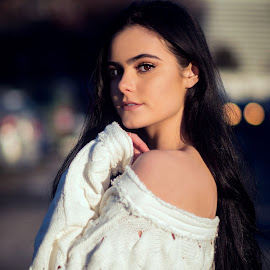 Model Tara by Tayyeb Mubarik - People Portraits of Women ( portrait and people, fashion, model, portrait photographers, portraits of women, woman, modeling, tayyebmubarikphotography, fashion photography, bokeh, photography, portrait )