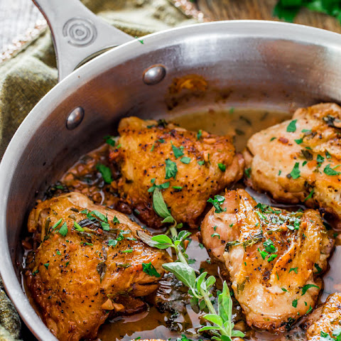Chicken in Garlic and Herb Sauce