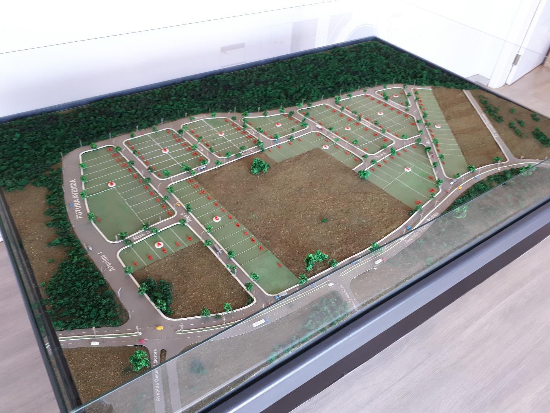 Terreno à Venda - Zona Industrial