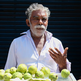 by Johann Pall Valdimarsson - People Street & Candids ( fruits, male, beard, india, light )