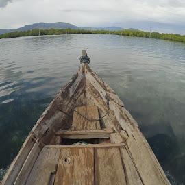 Perahu by Hendra Wijaya - Transportation Boats ( kapal, toroseaji, xiaomi yi, travel, perahu, desaaupung )