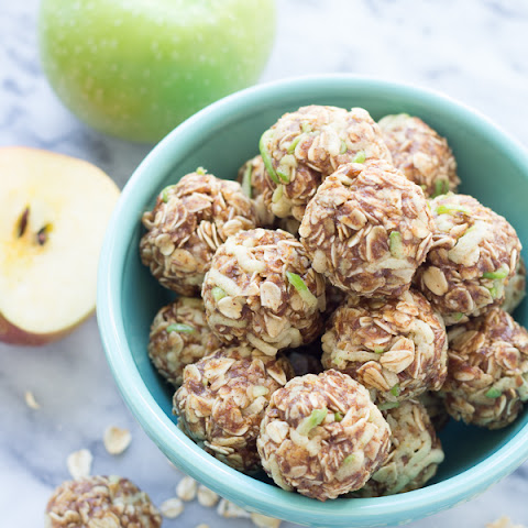 Apple Cinnamon Cookie Energy Bites