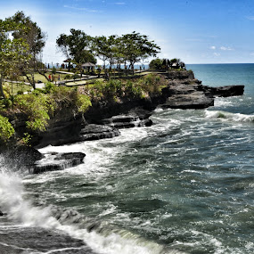 tanah lot 2013 by Handy Nordy Fariza - Landscapes Waterscapes