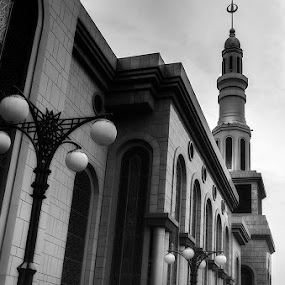 Samarinda Islamic Center by Nelwan Handoko Hasan - Buildings & Architecture Other Exteriors ( samarinda, mosque, islamic, bw )