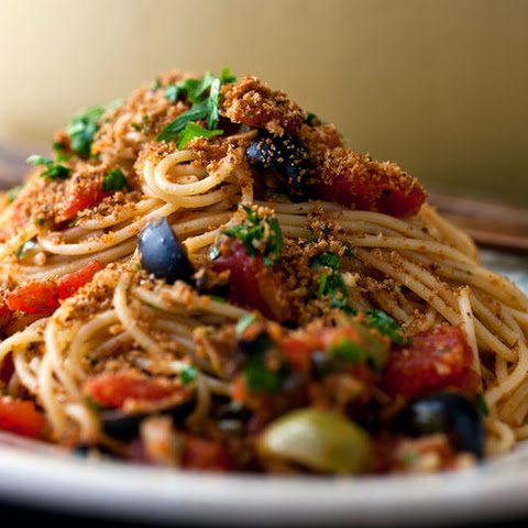Pasta With Tomatoes, Capers, Olives and Breadcrumbs