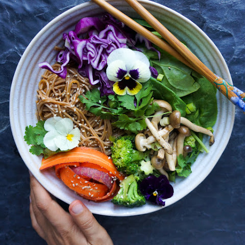 Oct 15 THAI RED CURRY SOBA NOODLES WITH with sautéed shimeji mushrooms and vegetables