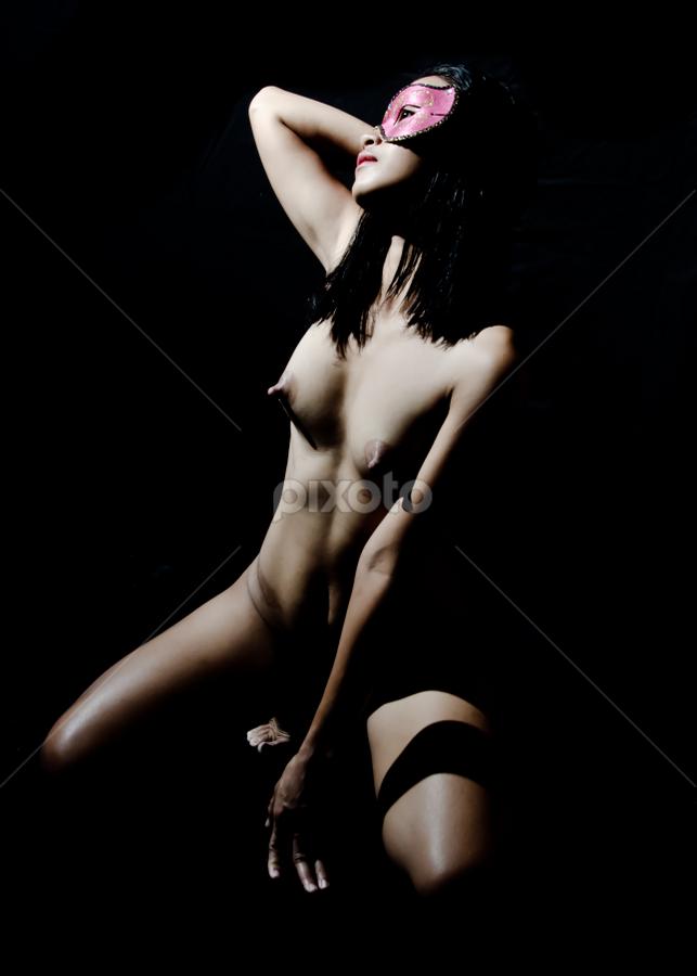 bob @ mask by Romualdo Señeris - Nudes & Boudoir Artistic Nude