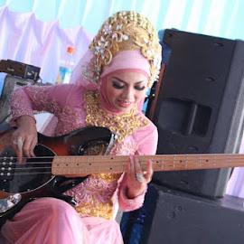 blues its her life.... by Ito Mario - Wedding Bride