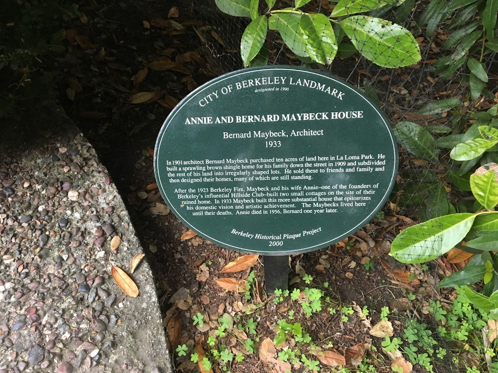 One of these plaques is a very common Berkeley type: local architectural heritage enthusiasts have put up a marker celebrating what their plaque says was the long-time home of renowned architect ...