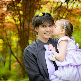 Daddy Kisses by Brandi Davis - People Family ( kiss, girl, daddy, outdoor, daughter, father )