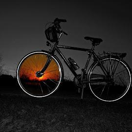 Moj novi prijatelj. by Nenad Vujičić - Transportation Bicycles