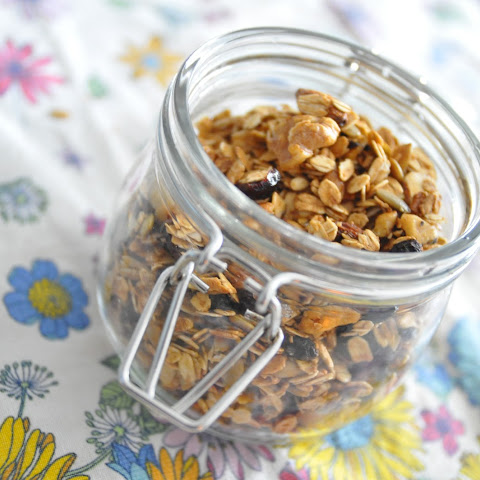 Homemade Granola | Easy Healthy Snack