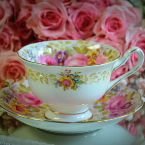 Cup and saucer with roses by Rhonda Kay - Artistic Objects Cups, Plates & Utensils