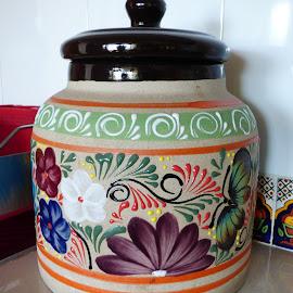 JARRON METEPEC by Jose Mata - Artistic Objects Cups, Plates & Utensils