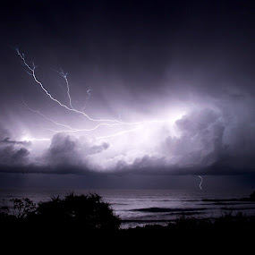 Cabarita Lighting by Graham Nixon - Landscapes Weather ( cabarita, water, landcape, w, s, lighting, australia, n, sea, night, ocean, storm )