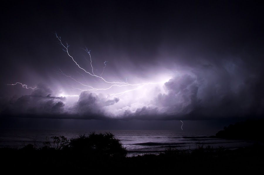 Cabarita Lighting by Graham Nixon - Landscapes Weather ( cabarita, water, landcape, w, s, lighting, australia, n, sea, night, ocean, storm )