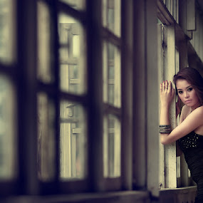 CINDY by Surya Rachman - People Portraits of Women