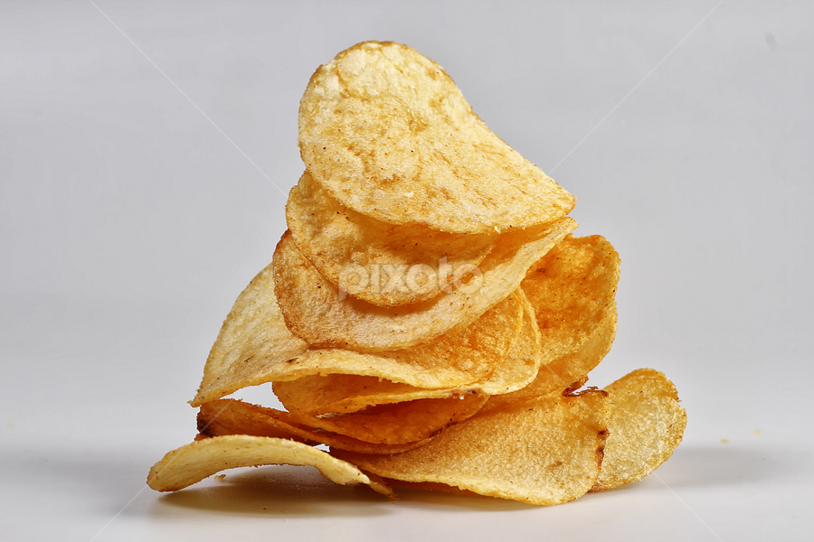 potato chips by Ismed  Hasibuan  - Food & Drink Eating ( salty, chips, food, vegetables, yummy, potato )