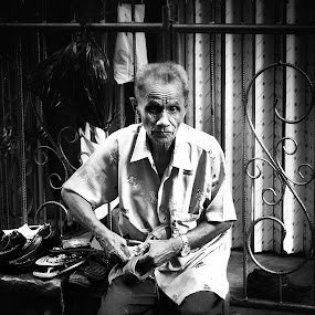 - Hi Old Man - by Cahaya TaOfik - People Street & Candids