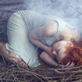 Sleeping beauty by Michaela Firešová - People Portraits of Women ( female )