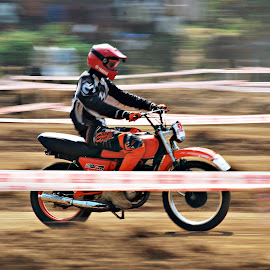 Pann Shot-Mud Racing by Rahul Radhakrishnan - Sports & Fitness Motorsports ( panning, mud, motorbike, racing, kerala )