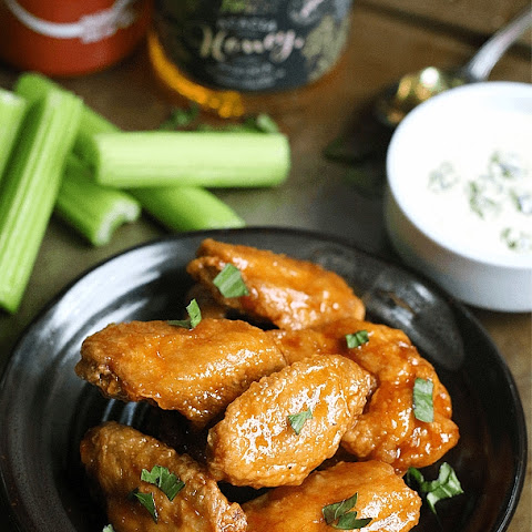 Honey Sriracha Buffalo Wings with Bleu Cheese Dip
