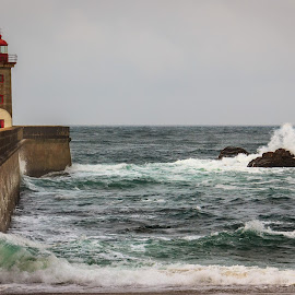 by Diogo Ferreira - Buildings & Architecture Other Exteriors ( lighthouse, portugal, porto,  )