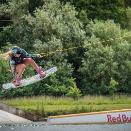 by Dean Round - Sports & Fitness Watersports