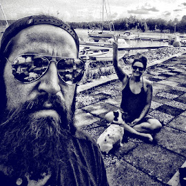 #hippie#peace#ig_europe #simplyhdr #sweden #beardmovement #jointhebeard #beardedrepublic #beard #blackandwhite #relax #vacation #igers #jävlagött by Walle Grevik - People Couples