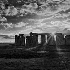 Sunstar at Stonehenge by Sefanya Dirgagunarsa - Landscapes Travel ( black and white, b and w, landscape, b&w, monotone, mono-tone )