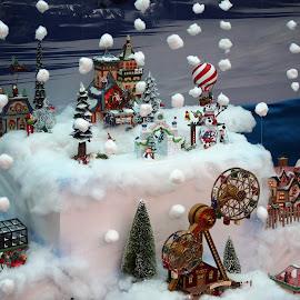 by Darrell Tenpenny - Public Holidays Christmas