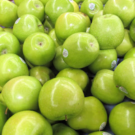 Green apples by Maricor Bayotas-Brizzi - Food & Drink Fruits & Vegetables (  )