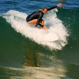 Sur la crète by Gérard CHATENET - Sports & Fitness Surfing